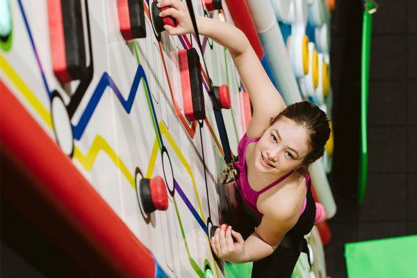 Escalade Clip 'n climb et Maestrem Ninja Gym : deux activités  impressionnantes sous un même toit au Mail Champlain!